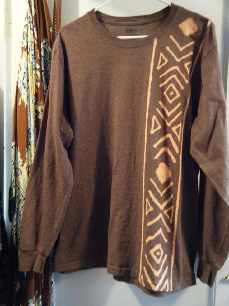 Vagabond Zen: Old t-shirt made new again with a bleach pen!  Southwest / Native design.