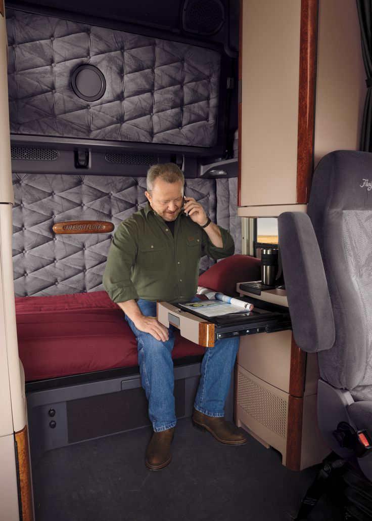 34 Best Images About Freightliner Cascadia On Pinterest Semi Trucks Trucks And Rigs