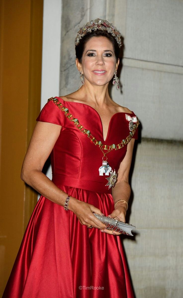 Dress by Søren Le Schmidt 01/01-2018 nytårstaffel. Galla A. The finest galla of the year in The Royal Family.