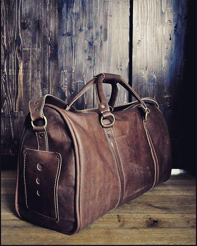 Коричневая дорожная  Отличная удобная дорожная сумка, отлично может подойти и…