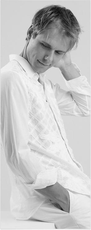 Armin van Buuren (biography) Love Armin? Visit trancelife.us to read our latest ASOT reviews. Love AvB? Visit http://trancelife.us to read our latest #ASOT reviews.