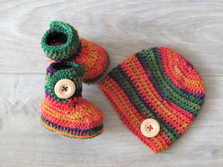 Rainbow Hat and Booties set - Newborn Booties and hat - Crochet Baby clothes - Baby Beanie - Baby Booties - Baby gift - Gender neutral by HandmadebyInese on Etsy