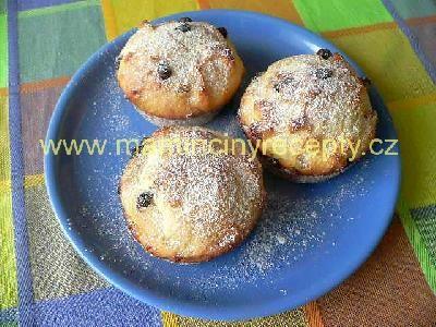Tvarohové muffiny... a místo čokolády nasekat višně v čokoládě!!!