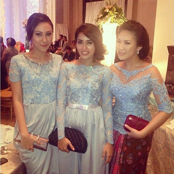 224 best KEBAYA ARTIS images on Pinterest  Brokat Batik dress