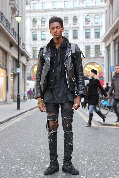 2015-04-13のファッションスナップ。着用アイテム・キーワードはスニーカー, ダブルライダースジャケット, デニム, ライダースジャケット, 黒パンツ, Gジャン・デニムジャケット, Tシャツ,etc. 理想の着こなし・コーディネートがきっとここに。| No:100919