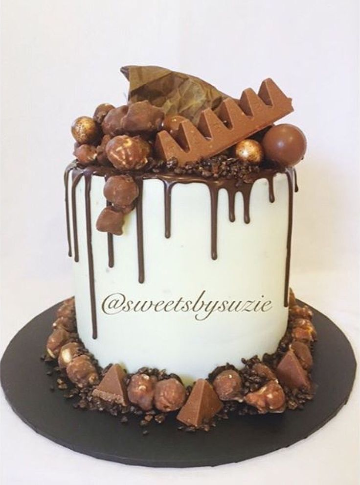 Choc drip birthday cake made by Sweetsbysuzie