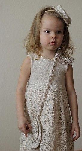 Детское платье спицами. Платье девочке спицами схема