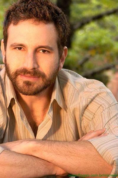 Caco Ciocler,brazilian actor