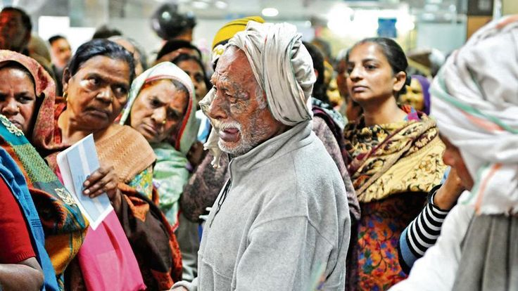 Demonetisation woes: HT's photo of old man crying in a bank touches a raw nerve