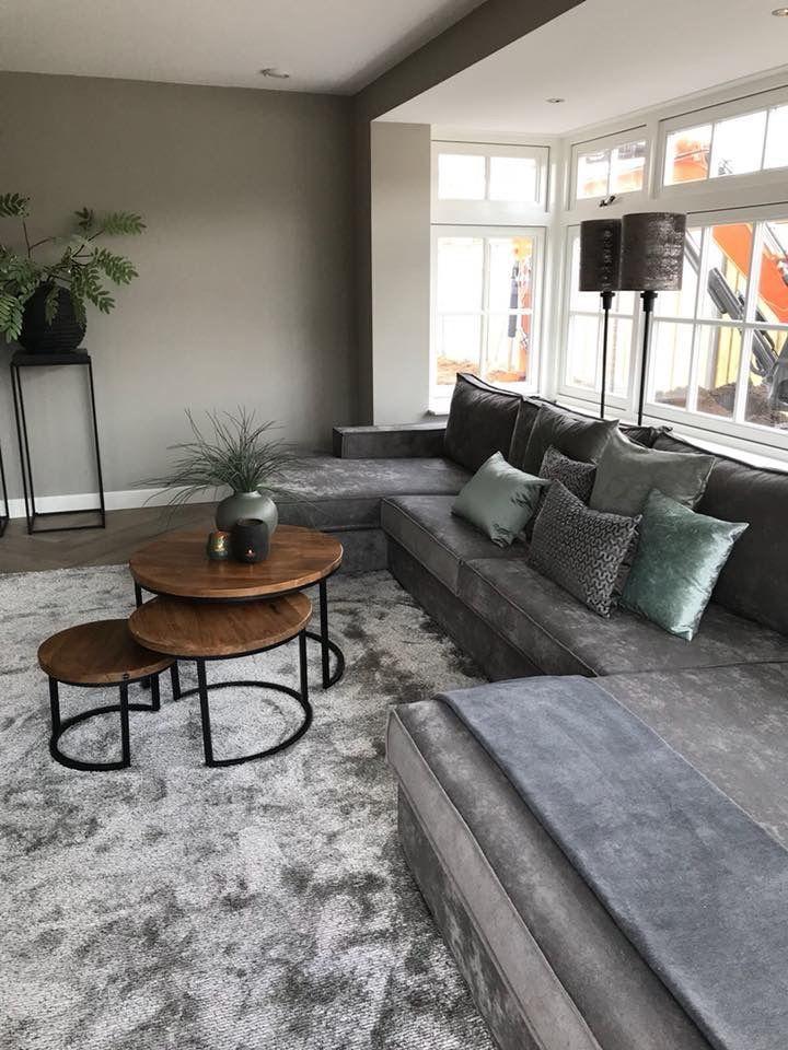 31 Genius Small Living Room Design Ideas In 2020 Living Room Design Small Spaces Small Living Room Design Living Room Decor Apartment
