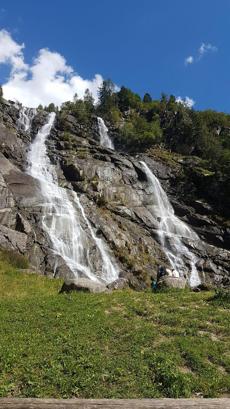 Com'è andato il #weekend? :) Il nostro amico Andrea ci manda questa bellissima foto delle Cascate del Nardis in Val di Genova, a due passi da #Pinzolo. Belle vero? #takeyourtime #relax #camping #trentino #pinzolo #campiglio #madonnadicampiglio #dolomiti #dolomites #dolomiten #dolomieten #campingplatz #campingsite #trentinodavivere #trentinodascoprire