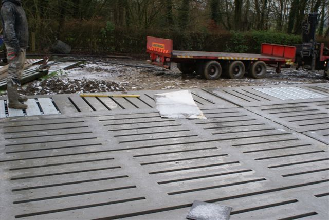 Billy Heffernan farm cattle slats - Ready Mix Concrete and Easy flow concrete Suppliers, Precast Concrete - Doyle Concrete http://www.doyleconcrete.ie/work/detail/billy-heffernan-farm-cattle-slats/