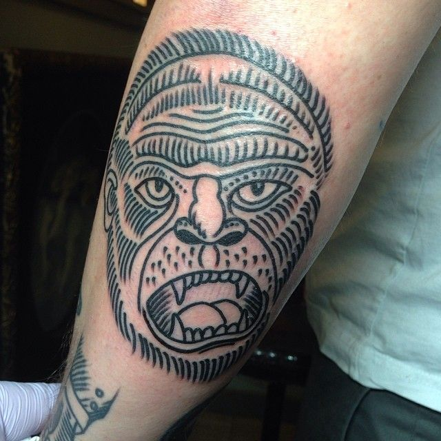 23 best tattoos of gorillas cuz i want one and i dunno why images on pinterest needle tatting. Black Bedroom Furniture Sets. Home Design Ideas