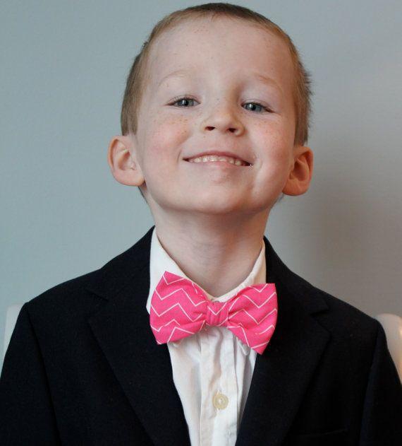 Nœud papillon garçons en tenue de porteur mince Chevron rose - Clip sur - anneau