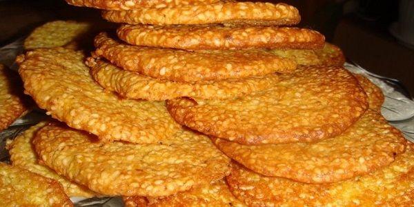 Кунжут очень полезный для здоровья! Поэтому кунжутное печенье - одно из лучших домашних сладостей Один кондитер подсказал рецептик!