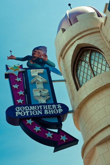 Fairy godmother's potion shop by Hazrul Idzwan, via Flickr (GEVELSTEEN)