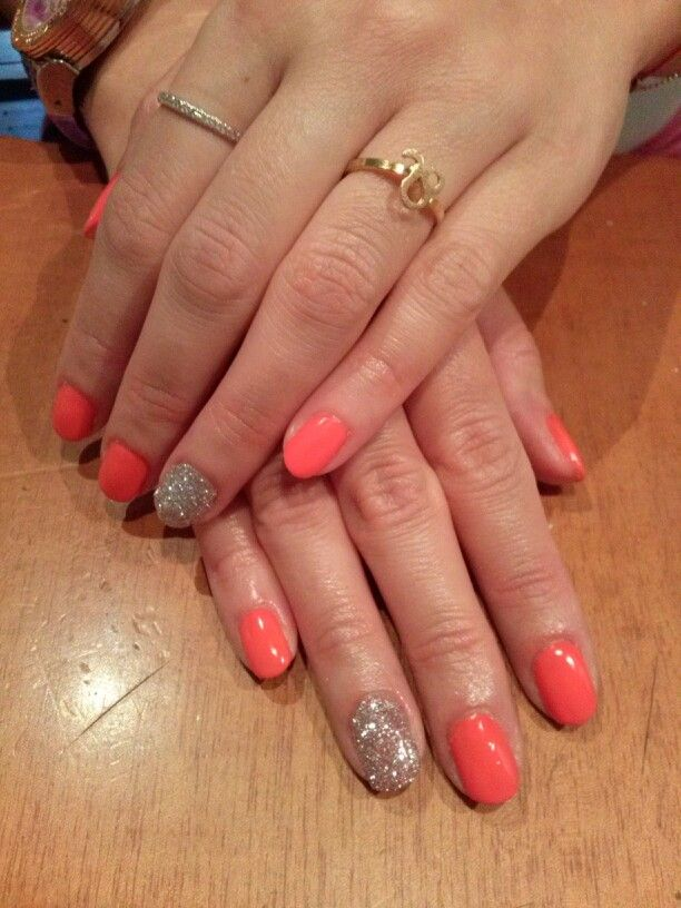 Cute coral nails with glitter :-)