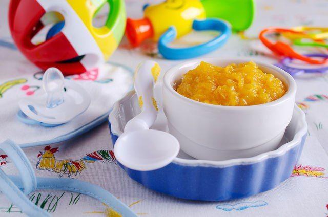 Готовим детское пюре из овощей и фруктов в домашних условиях Хоть современные производители и убеждают нас в том, что детское питание лишено консервантов и вредных добавок, свежие овощи и фрукты гораздо полезнее, тем более, если речь идет о питании грудничка. Да и готовить детское пюре дома не так уж и трудно. #едимдома #готовимдома #рецепты #длядетей #детскоепитание #меню #кулинария #домашняяеда