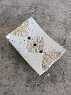Seifenschale weiß Keramik mit Stempel Motiv