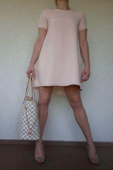 Śliczna sukienka w delikatnym różowym kolorze  roz.36 na sprzedaż. polecam!