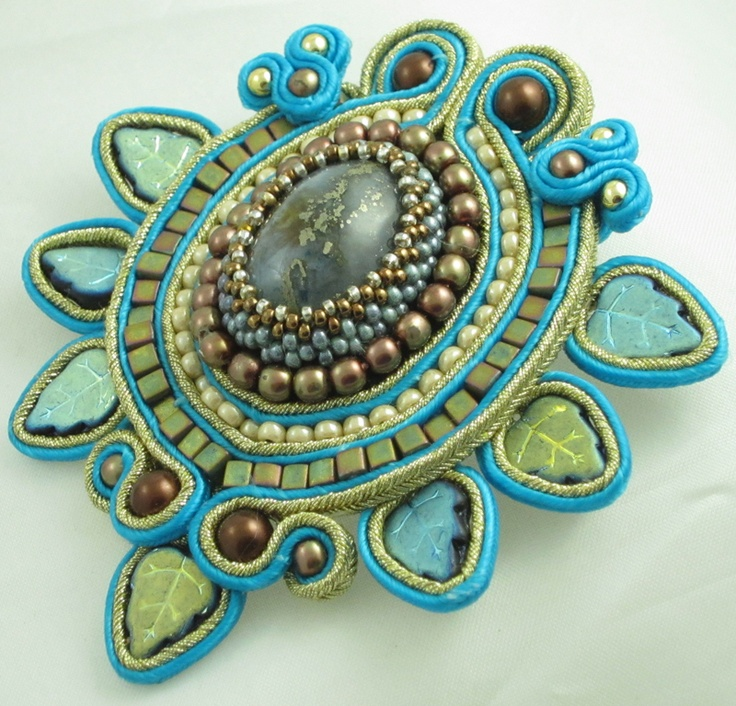 soutache brooch with Czech leaves and Miyuki Square Beads