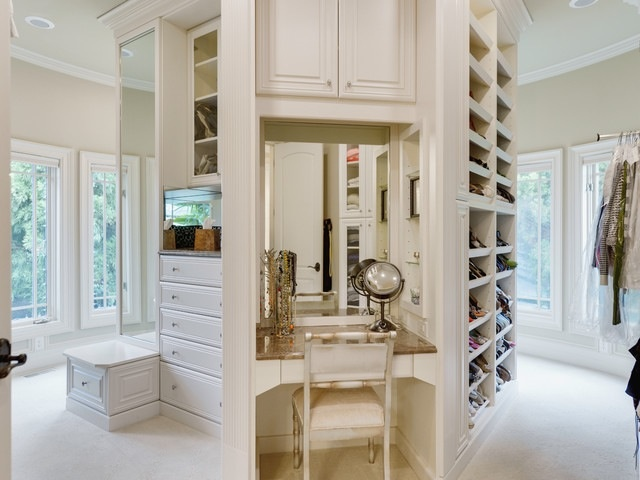 17 best images about dressing table ideas on pinterest for Fancy walk in closet