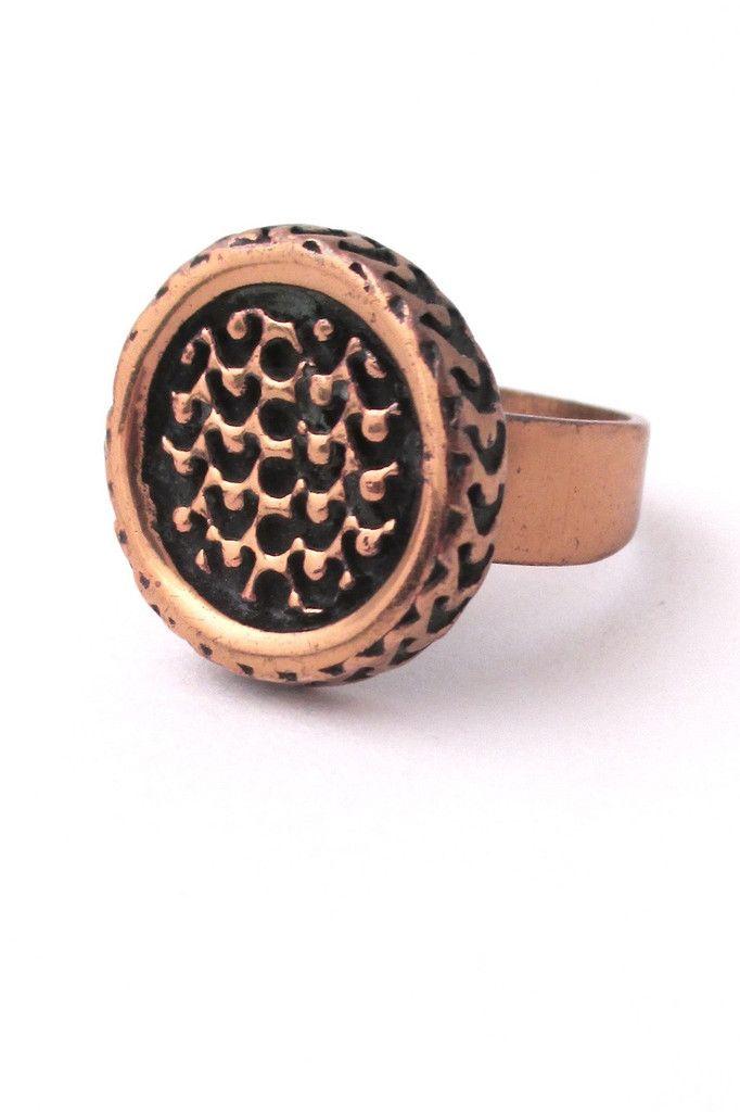 Pentti Sarpaneva, Finland - vintage bronze 'textured disc' ring #bronze #Finland #ring