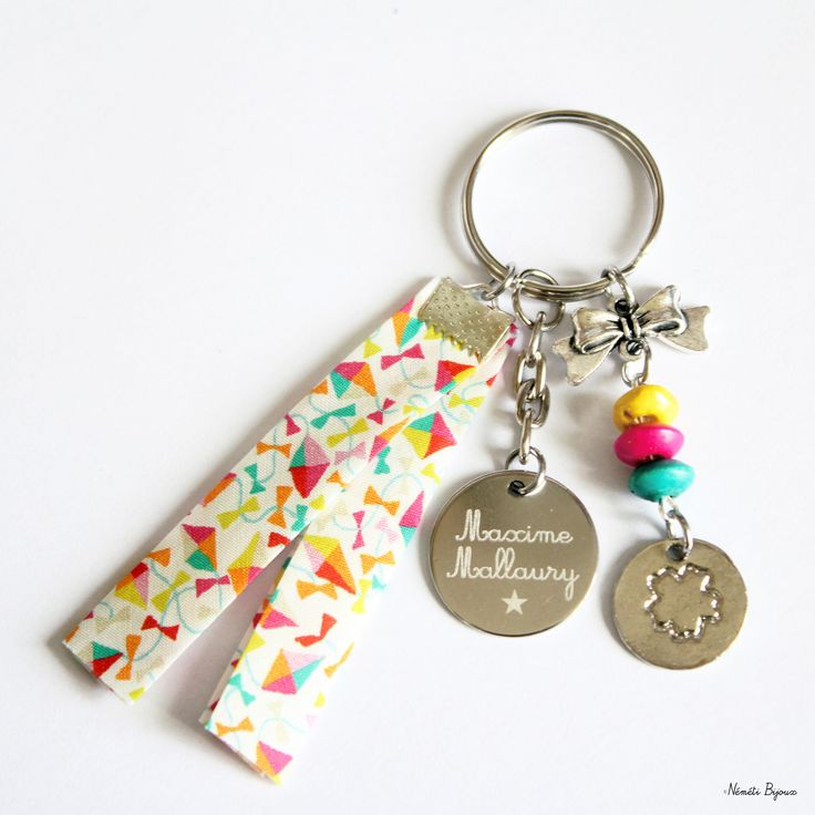 Porte clés liberty gravé personnalisé - tissu multicolore dancing kites - gravure prénom message - cadeau unique : Porte clés par nemeti