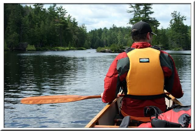 Here is a beginners guide to help new canoeists learn all about canoeing.