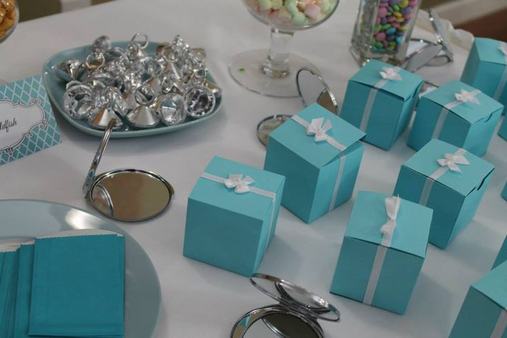 """Cute Party Theme: """"Double Digits and Diamonds"""" for a 10-year-old girl's party! #partyidea #kidsparty"""