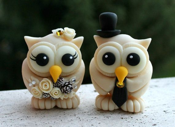 Hey, I found this really awesome Etsy listing at https://www.etsy.com/listing/217951680/winter-wedding-owl-cake-topper-campagne