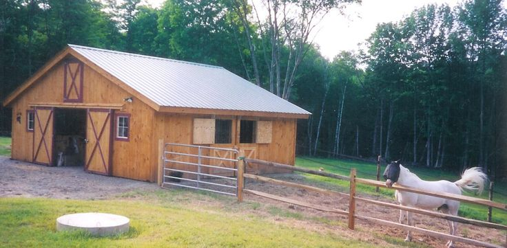 DIY Barn Kit Center Aisle Barn Frame #268 portable barn, pole barn kits, diy pole barns, pole barn packages, modular barn, horse barn kits, portable horse shelter, from Klene Pipe Structures