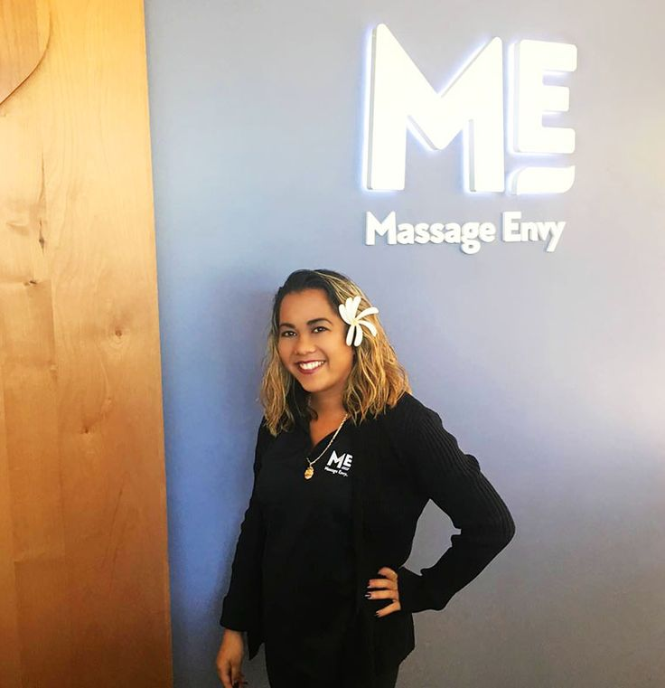 "#featurefriday Employee Feature: Meet Cherie, one of our #Front #Desk #Sales #Associate at our #AinaHaina #MassageEnvy #Hawaii location. #spa Cherie best vacation every summer is to the Keiki Beach Bungalows in North Shore. What she likes most about working for Massage Envy is ""working with my co-workers everyday."""