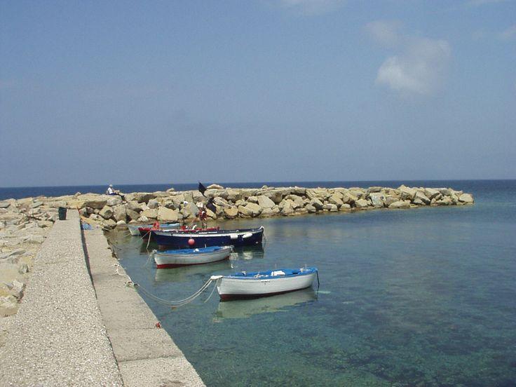 Il porticciolo di Punta Licosa