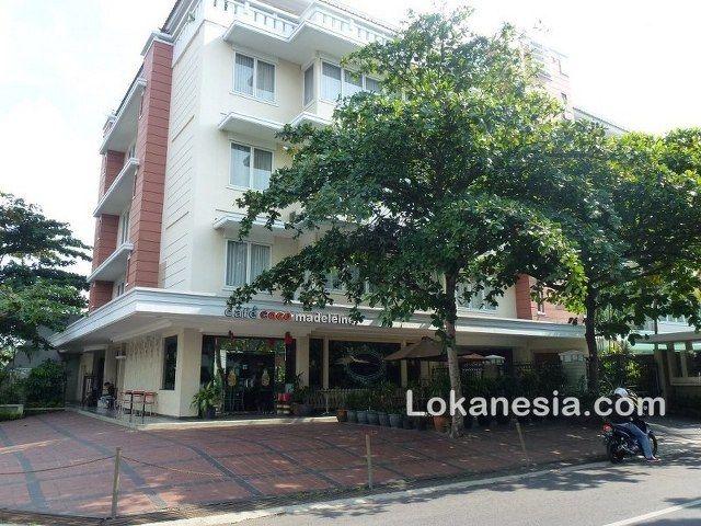 Cafe Coco Madeleine Jl. Sisimangaraja No. 31 Semarang