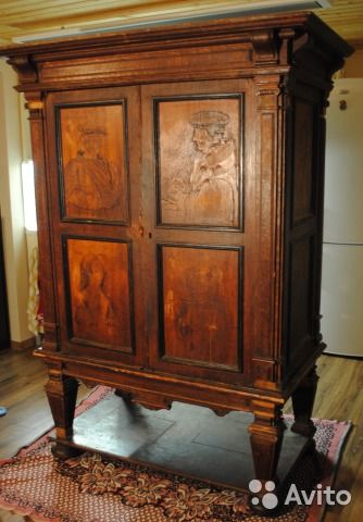 Антикварный шкаф, 18 века, эпохи возрождения
