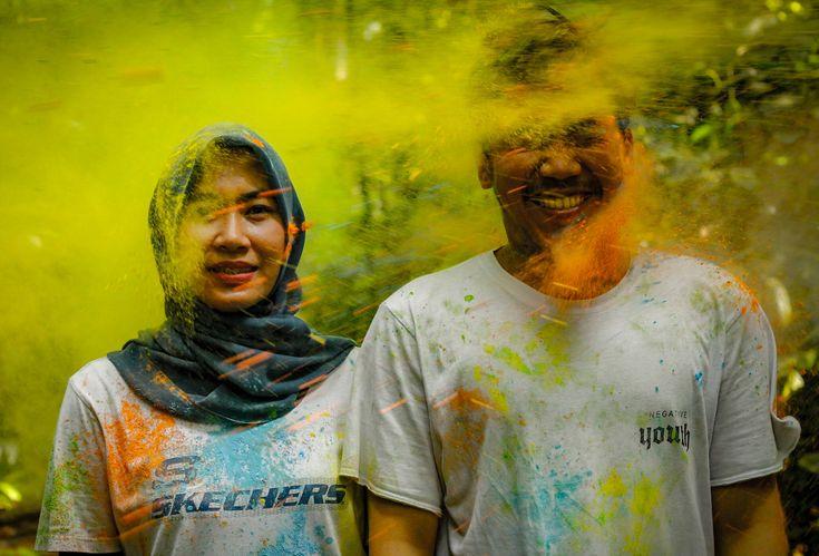 Holy powder shoot #prewedding #wedding #run #holyshoot #indonesian #bogor