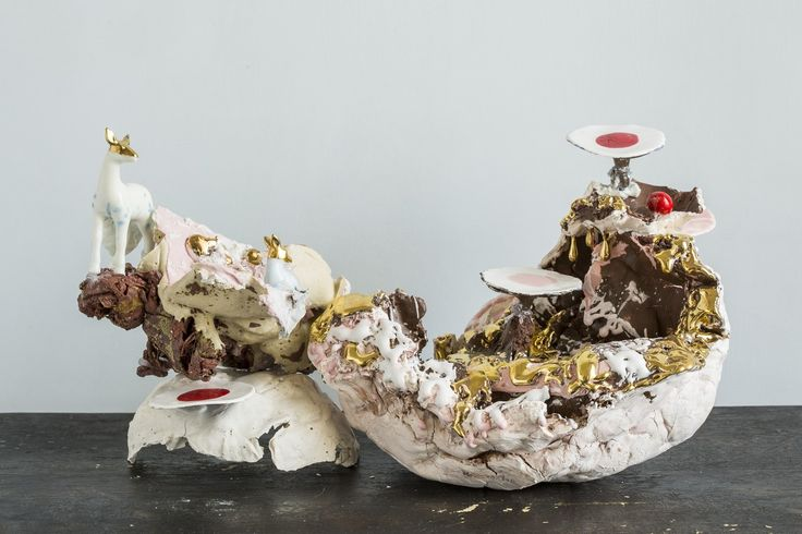 Pocellain centerpiece  By Coralla Maiuri