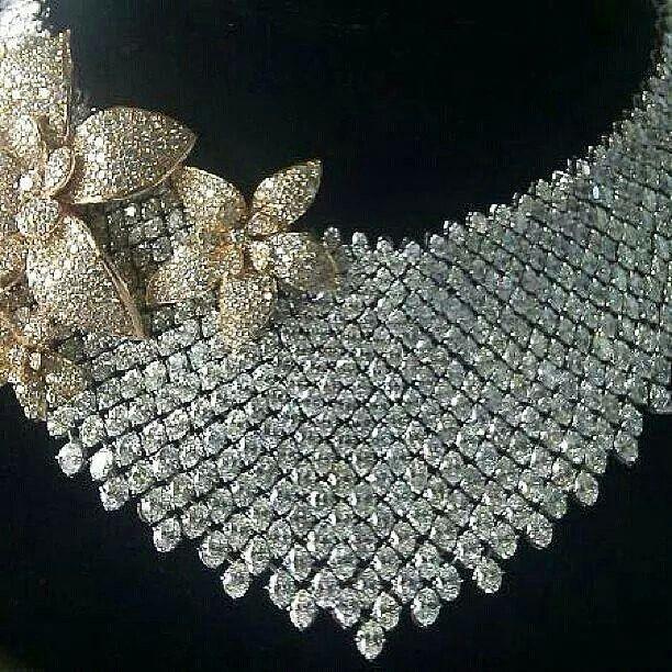 Another gorgous diamond necklace by @kamyenjewellery .........Magnificent.  B.