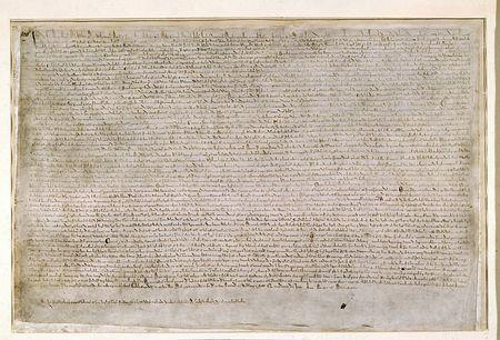 1215年6月にイングランドのジョン王と貴族たちの間で合意されたマグナカルタ(大憲章)の原本の一つ(大英図書館評議会提供) ▼4Jan2015時事通信|英大憲章制定800年=民主主義の礎、各地で祝賀 http://www.jiji.com/jc/zc?k=201501/2015010400077 #Magna_Carta #the_Great_Charter ◆Magna Carta - Wikipedia http://en.wikipedia.org/wiki/Magna_Carta