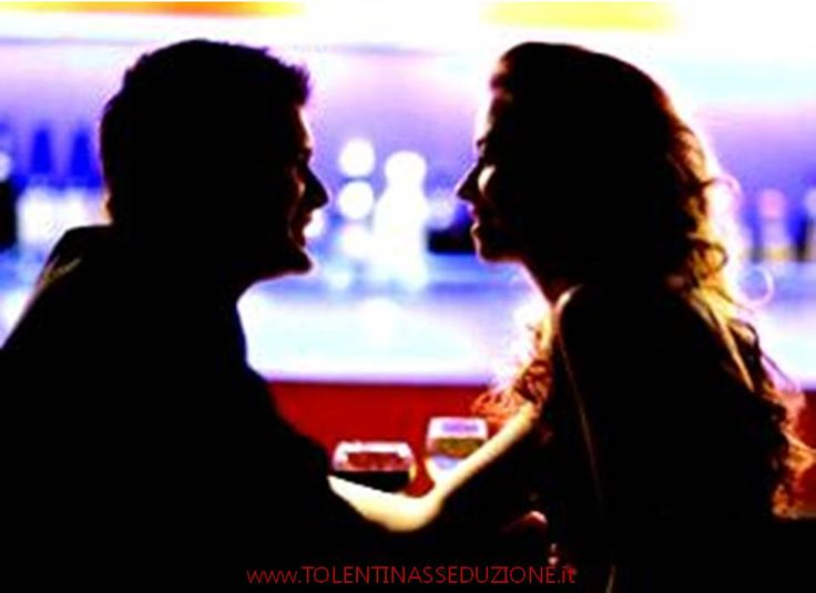 #comunicazione   #seduzione    IMPARARE AD USARE LE PAUSE  Saper utilizzare le pause mentre stai parlando con una donna è estremamente importante.  Perché parlare intervallando continuamente le parole con suoni tipo ah.., eh… è tipico delle persone insicure.  Il mio consiglio: Esercitati a parlare sostituendo questi suoni irritanti con delle semplici pause.  Utilizzare le pause parlando, rende le parole più potenti. E lei ti vedrà come un uomo intelligente, sexy e sicuro di sé.