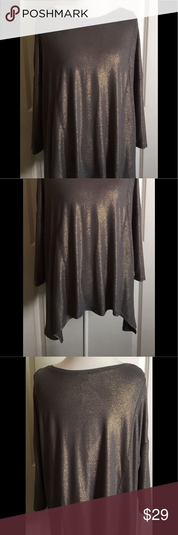 NWT IMAN Global Chic Top NWT IMAN Global Chic Top. 3/4 batwing sleeves. Grey with copper running through the material. Gorgeous slinky and sexy material. Iman  Tops