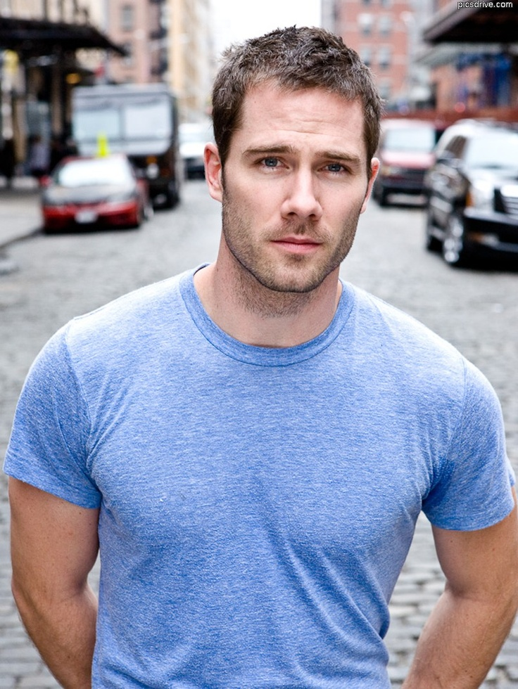 Actor Luke Macfarlane