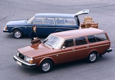 Volvo 265 GLE And Volvo 245 DL 1975