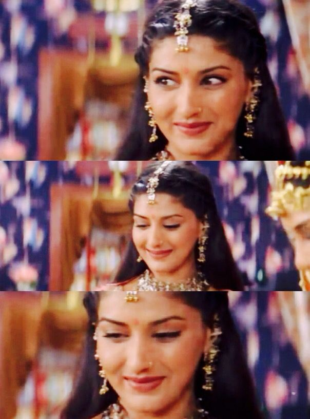 Sonali Bendre in Hum Saath Saath Hain