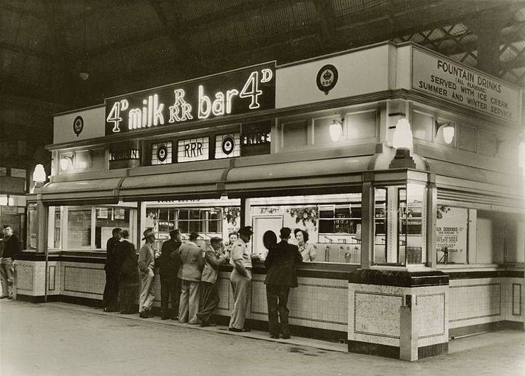 1946, Central Station milk bar.