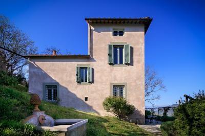 Splendida proprietà con piscina a pochi km da Lucca