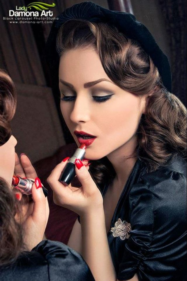 old fashion hair style best 25 rockabilly makeup ideas on 9586 | 8ff452242009e6a3b3f450540673e22e pin up hairstyles vintage hairstyles
