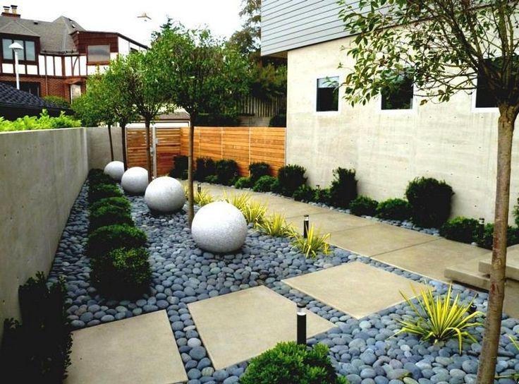 aménager un petit jardin japonais avec pas japonais en pierre blonde et graviers décoratifs