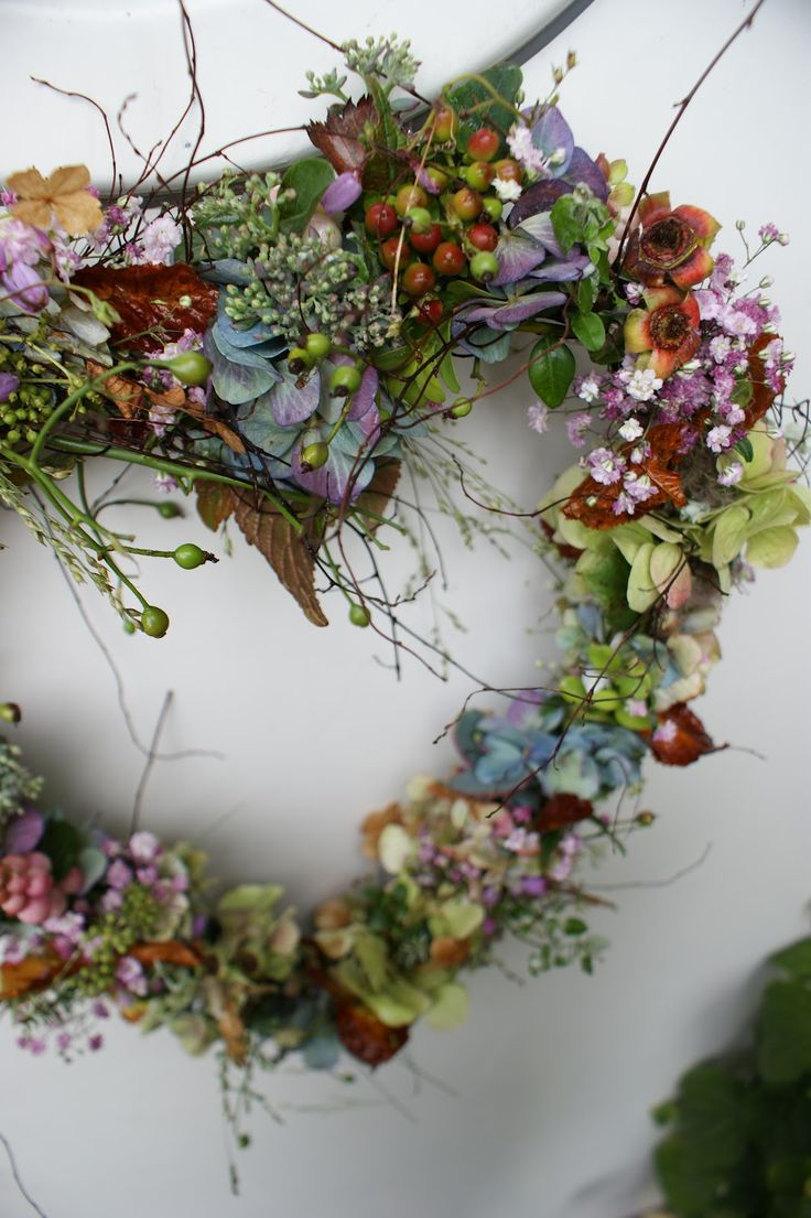 .this would be beautiful using dried flowers from the garden...